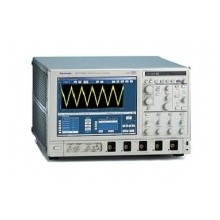 Tektronix DSA70404 4 GHz, 25 Gs/s Oscilloscope for ESD Simulator Calibration